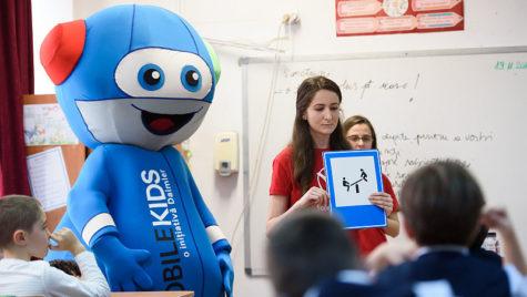 3.000 de elevi vor beneficia de cursurile de educație rutieră de Mercedes-Benz România