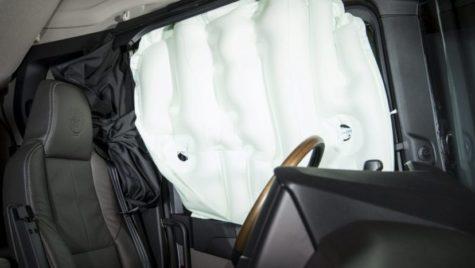 Cum funcționează airbagurile laterale de pe un camion