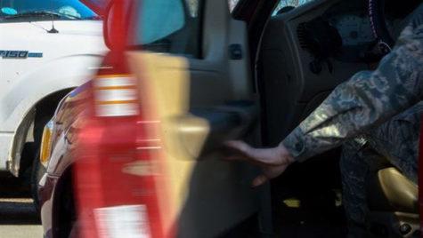 Atenţie când deschideţi uşa maşinii! Ce spune Codul Rutier