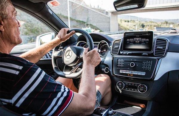şoferii în vârstă